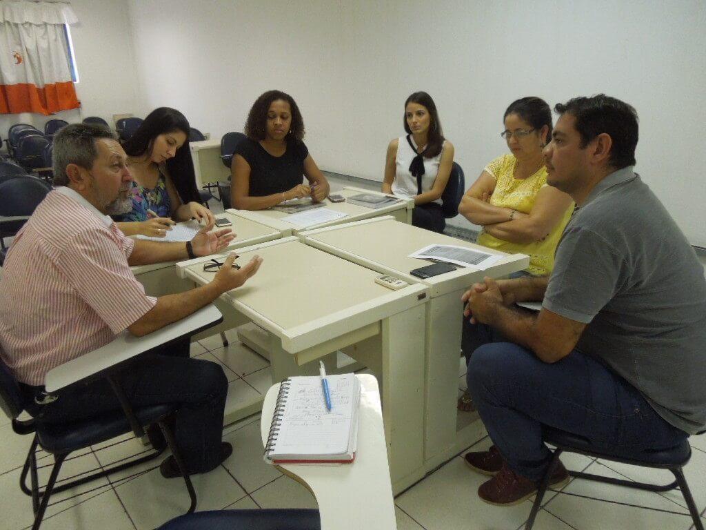 Moradores de Peixoto querem resolver problemas do município.