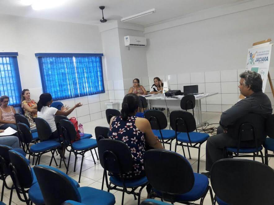 Reunião serviu para sensibilizar educadores a discutir com alunos elaboração do PMSB