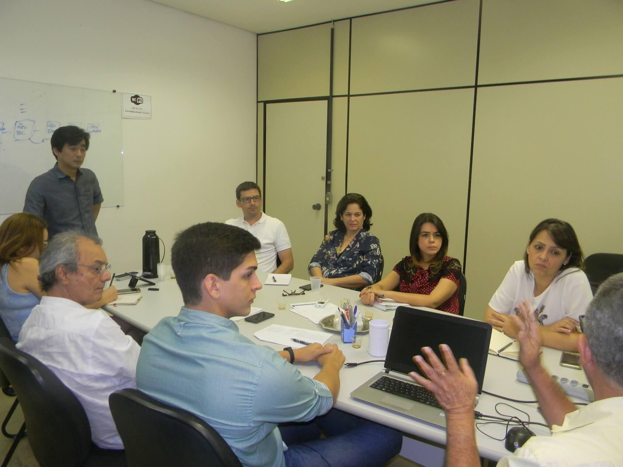 A equipe do PMSB com os visitantes de Goiás.