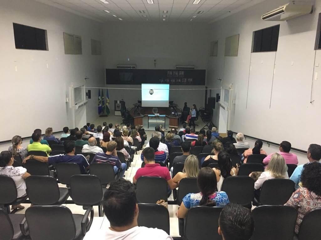 A comunidade prestigiou a Conferência de entrega do PMSB em Nova Mutum.