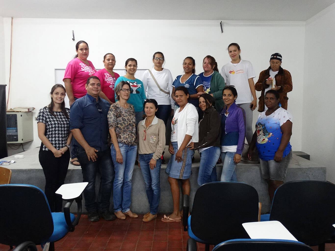 A equipe do PMSB com agentes de Saúde.