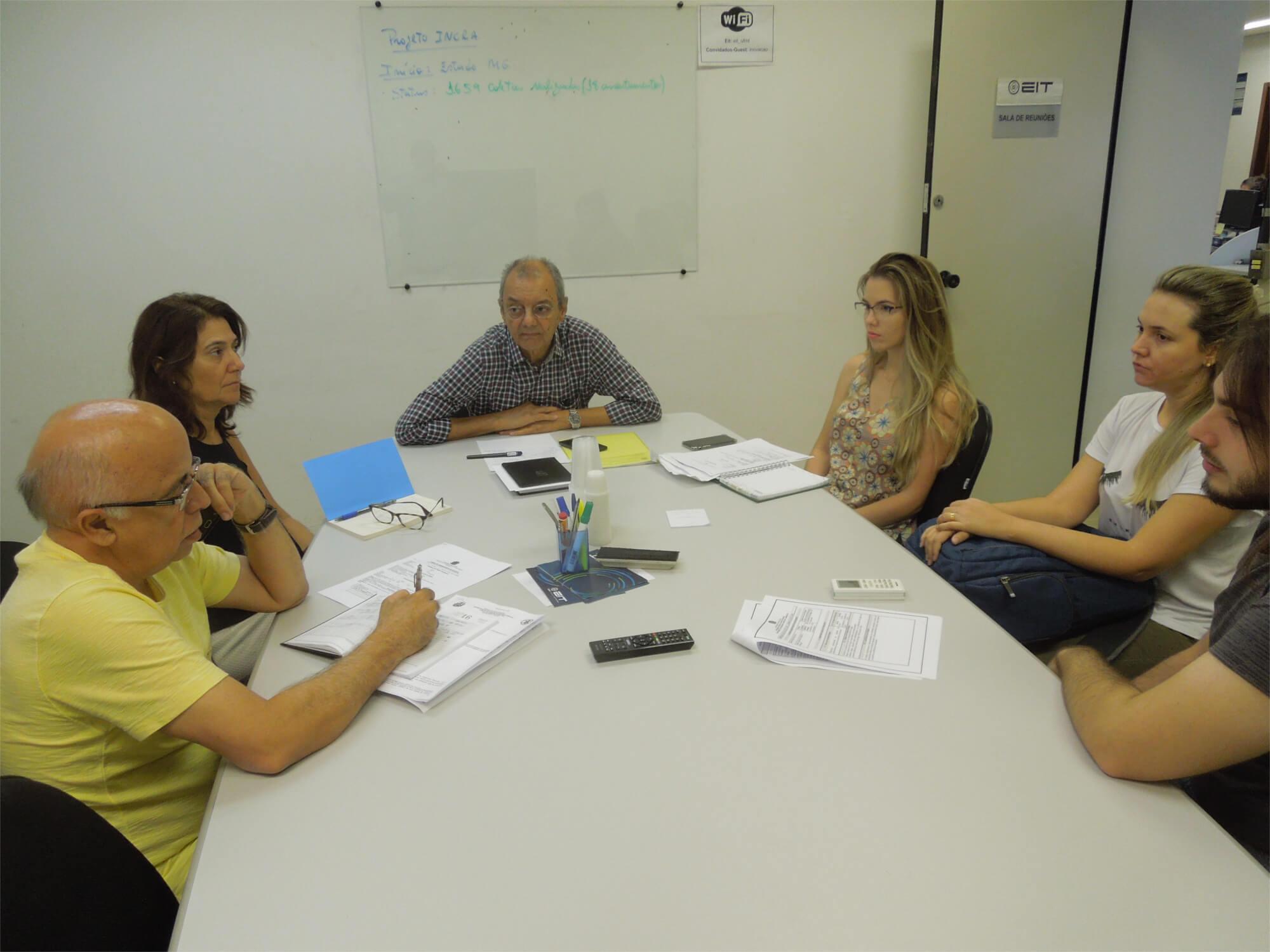 Eliana Rondon, Paulo Modesto Filho e José Alvaro da Silva orientam os estudantes para o início do estágio